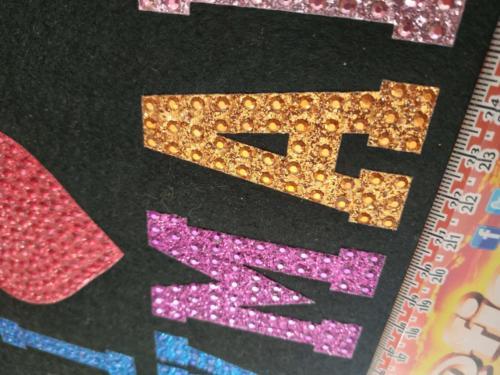 GRAFICOM Patch termoadesiva con lettere in tessuto glitterato e strass.