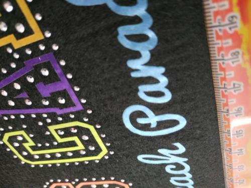 GRAFICOM Patch termoadesiva con lettere in tessuto tagliato a laser e strass.